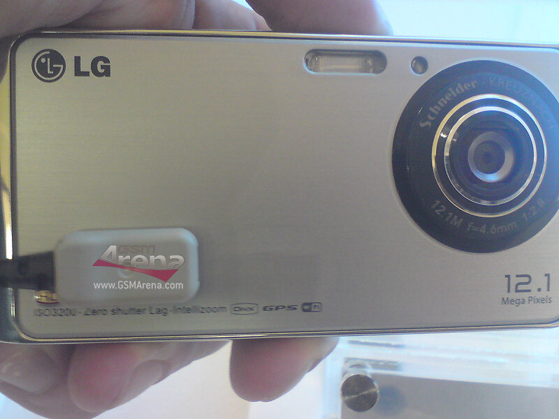 UPDATED: LG Louvre GC990 has a 12MP camera with HD video recording