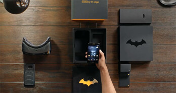 Download Galaxy S7 Edge Injustice Theme For Any Android Device: Samsung's Batman-themed Galaxy S7 Edge Injustice Edition