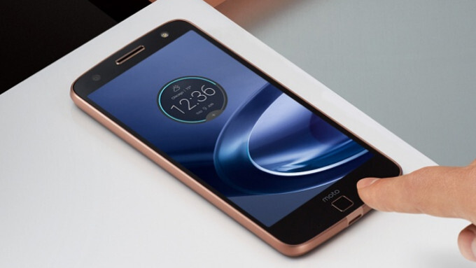 No 3.5 mm headphone jack on the new Moto Z phones - Big news: Moto Z is the first major phone with NO 3.5mm headphone jack