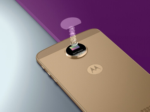 Moto Z Force has a 21MP camera with fast, phase-detection auto-focus (PDAF)