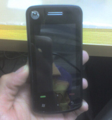 Windows Mobile powered Motorola A3300 poses for the camera