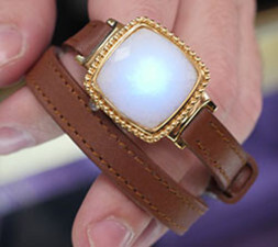 Richline's notification bracelet with glowing LED - Mobile accessories, wearables, handsets, and more: a first-hand look at CE Week 2016 & ShowStoppers
