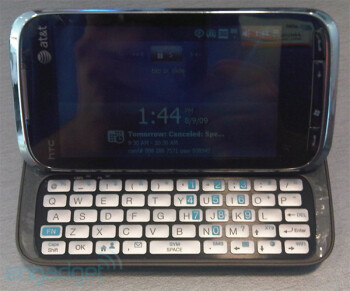 AT&T's version of the HTC Touch Pro2, the Tilt 2, gets photographed