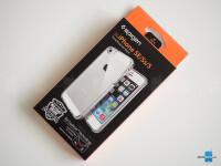 iPhone-SE-case-Spigen-Crystal-Shell-1