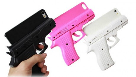 Wearing a gun-shaped iPhone case at an airport? Bad idea that could have fatal consequences - Man wears gun-shaped iPhone case in an airport, now facing charges