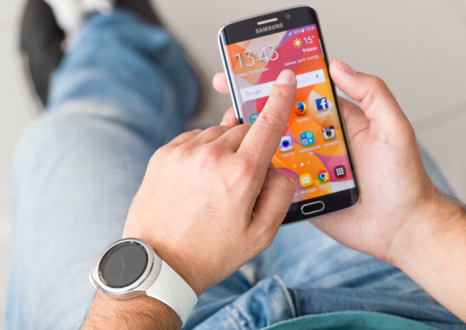 Hurry, deal lovers! AT&T starts a BOGO promo, throws in free Gear S2 with Galaxies