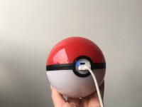 Pokemon-Go-Pokeball-powerbank-02