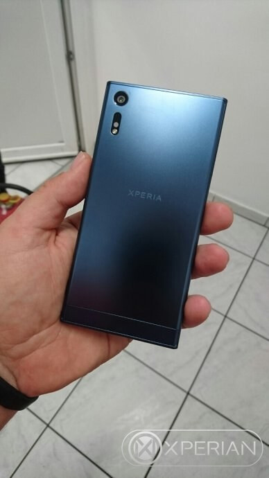 Sony Xperia F8331 - back