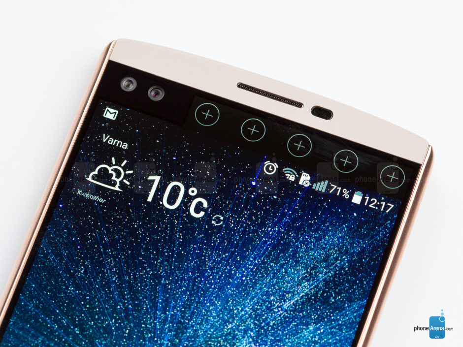 LG V10's secondary ticker display - LG V20 rumor review: design, specs, features, and release date of LG's upcoming champ
