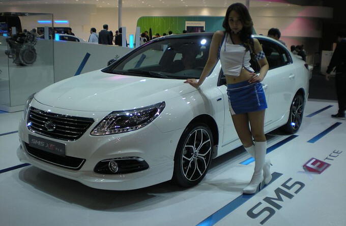 If smartphone and TV profits dwindle, Samsung could turn to making car components