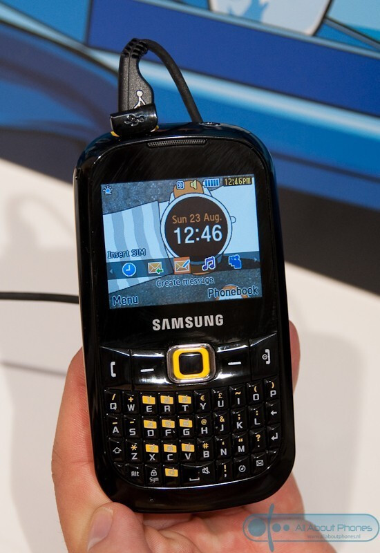 The Samsung B3210 at IFA - The Samsung B3210 sports a full QWERTY keyboard and youthful design