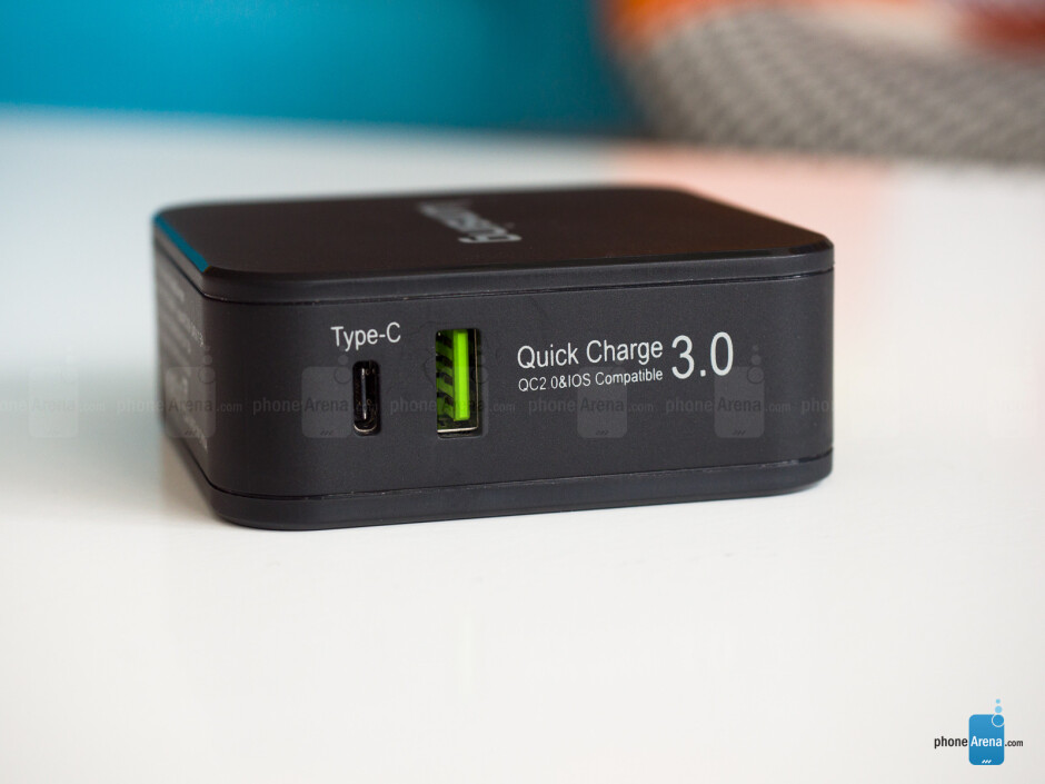 QuickCharge 3 and Type-C in one charger? This one by Lumsing fits the bill