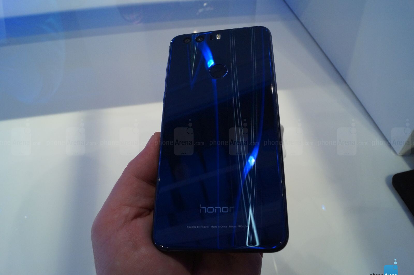 Huawei Honor 8 goes official in Europe, would you buy one?