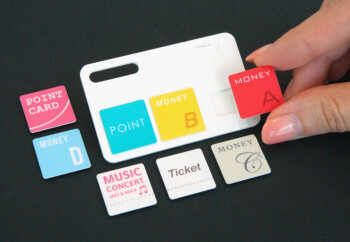 A FeliCa card with detachable payment modules