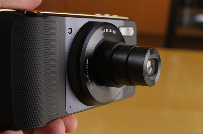 Hands-on with the new Moto Z Play Droid and Hasselblad True Zoom camera
