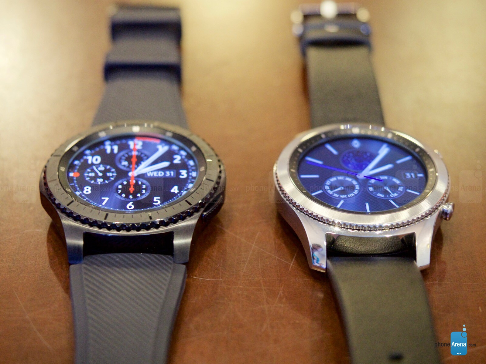 Samsung Gear S3 Hands On Classic And Frontier Versions Introduce Double Side Strap Only Bigger Screens Batteries