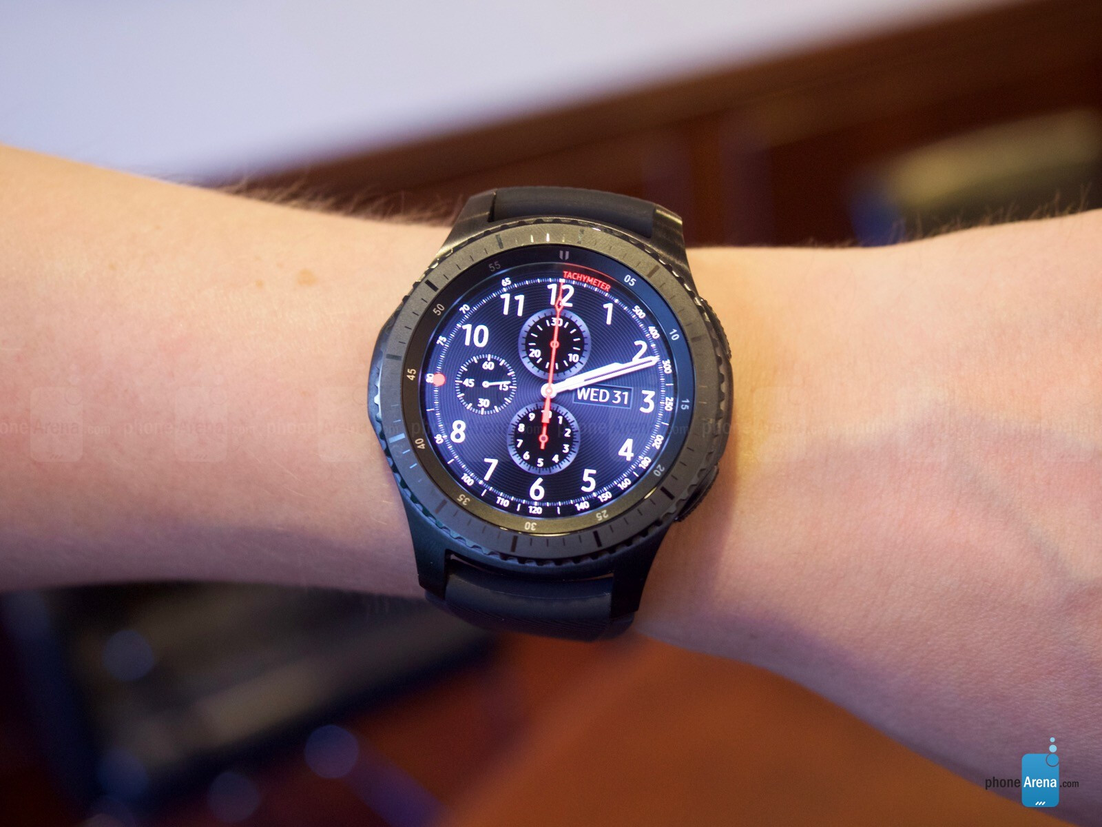 samsung gear s3 hands on classic and frontier versions. Black Bedroom Furniture Sets. Home Design Ideas