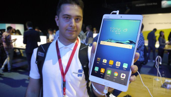 Huawei Mediapad M3 hands-on: small in size, big on sound