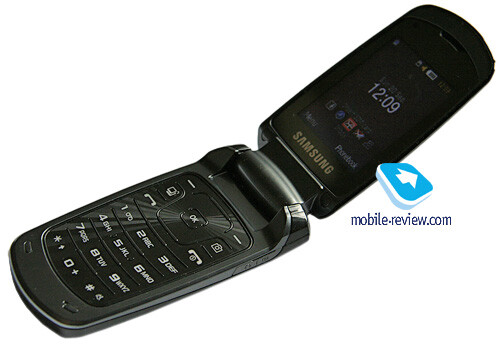 The Samsung S5510 is a clamshell phone with external PMOLED display