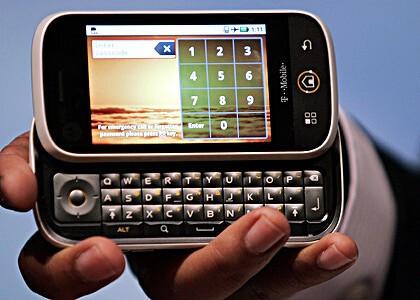T-Mobile announces October 19th pre-sale of Motorola CLIQ for current accounts