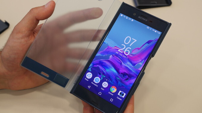 Sony Xperia XZ and X Compact Style Cover Touch and Stand official cases hands-on: elegant and functional