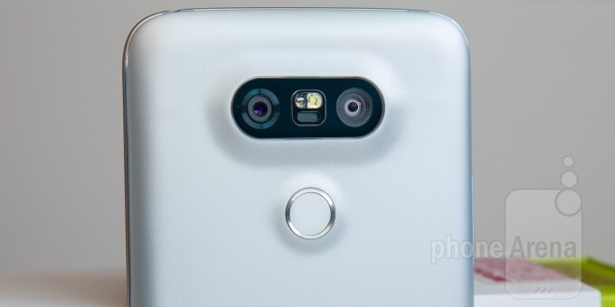 Expect more dual camera smartphones now that Qualcomm's new Clear Sight technology is available