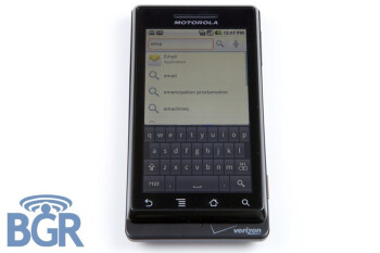 New images of the Motorola Droid phone for Verizon