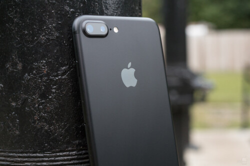 When it comes to photography, the iPhone 7 Plus is the more attractive offering