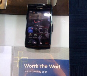 BlackBerry Storm2 Dummies make appearance at Best Buy
