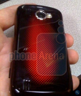 Samsung Omnia II poses for Exclusive pictures