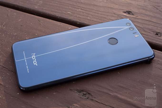 Huawei and its honor sub-brand keep gaining market share, along with Vivo and Oppo - Samsung with a record market share drop in Q3 thanks to the Note 7 recall