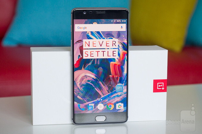 OnePlus 3 finally getting its first Android 7.0 Nougat beta build