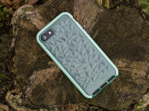 save off e918f 1d80b Tech21's iPhone 7 cases put protection at the top of their priority ...