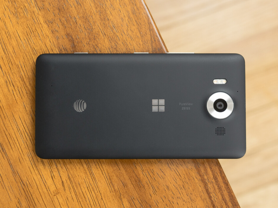 Lumia 950 - 10 old flagships that you can buy as great mid-range, sub-$350 smartphones right now (December 2016)