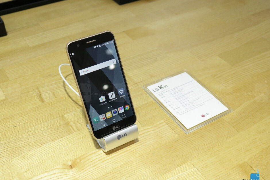 A quick hands on with the 2017 version of the budget-friendly LG K10
