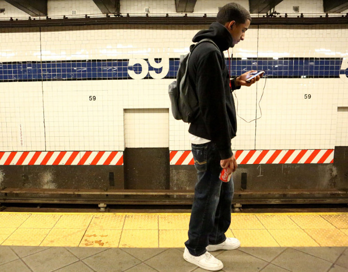 Complete cell phone and Wi-Fi coverage goes live today for all New York subway stations