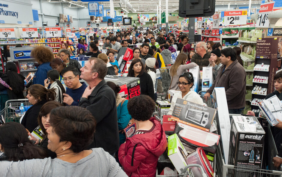 Walmart's new app will have you avoiding checkout scenes like this one - The Walmart Scan & Go app will get you out of the store in a jiff