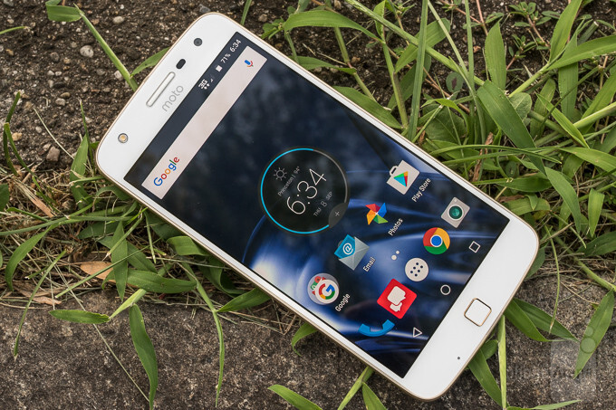 Android Nougat update for the unlocked Moto Z coming next month, Moto Z Play will get it in March