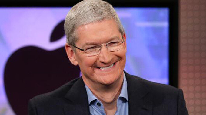 Apple App Store grows to 2.2 million apps, records double the revenue of Google Play Store