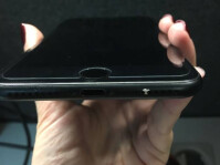 Matte-black-iPhone-7-chipping-06