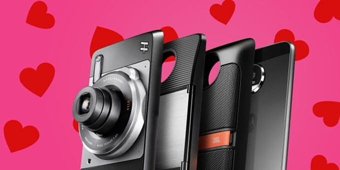 Motorola's Sweetheart deals let you snatch a free Moto Mod when you purchase a new Moto phone