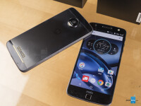 Moto-Z-Force-Droid-left-and-Moto-Z-Droid-right