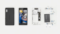The-Fairphone-2-Dissassembled2