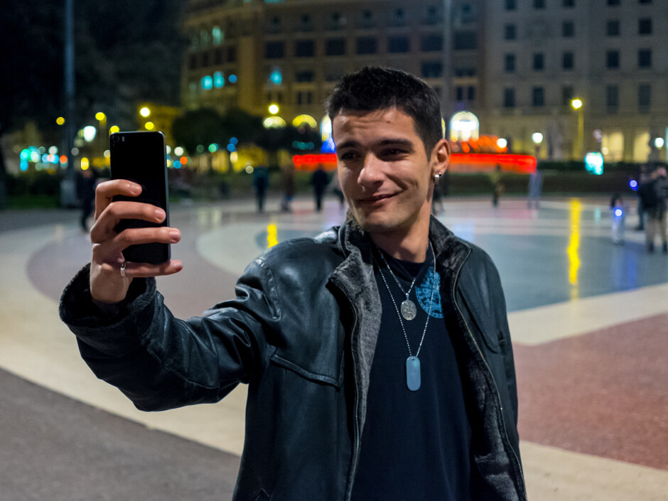 PhoneArena's poster boy, Damian, came for the selfies. - PhoneArena at Mobile World Congress: We landed in Barcelona