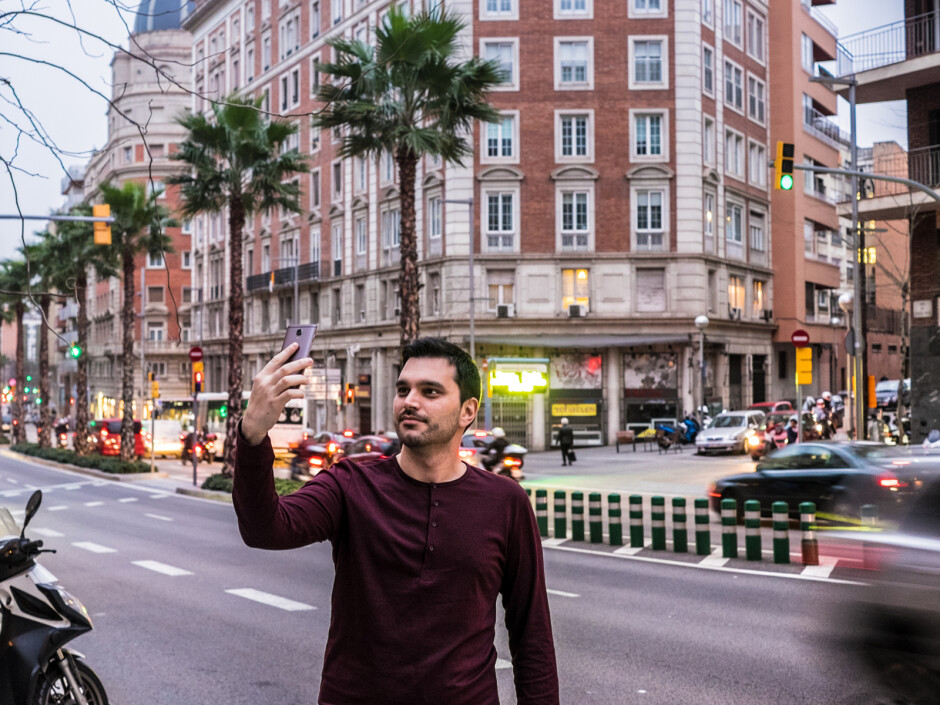 Peter chose the background for his selfie carefully. - PhoneArena at Mobile World Congress: We landed in Barcelona