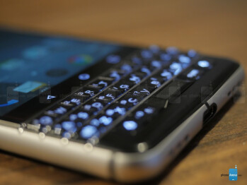 BlackBerry KEYone preview: let's bring the physical keyboard back from the dead!