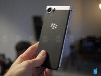 BlackBerryKeyOnehands-on---21.jpg