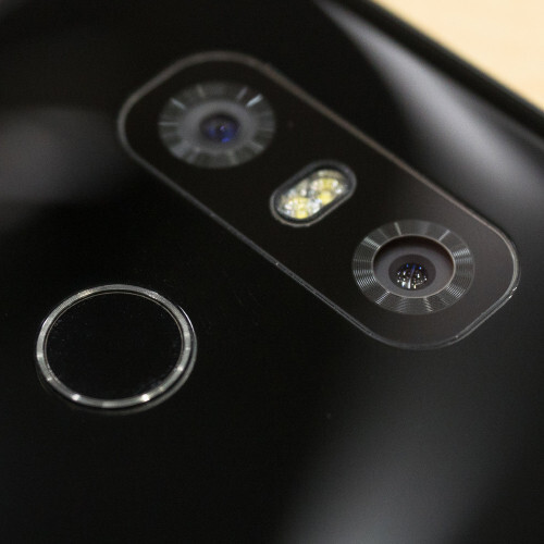 Thanks to G6's dual-cam setup, you can shoot both normal and wide-angle photos - Unique features of the LG G6 that set it apart from the current competition