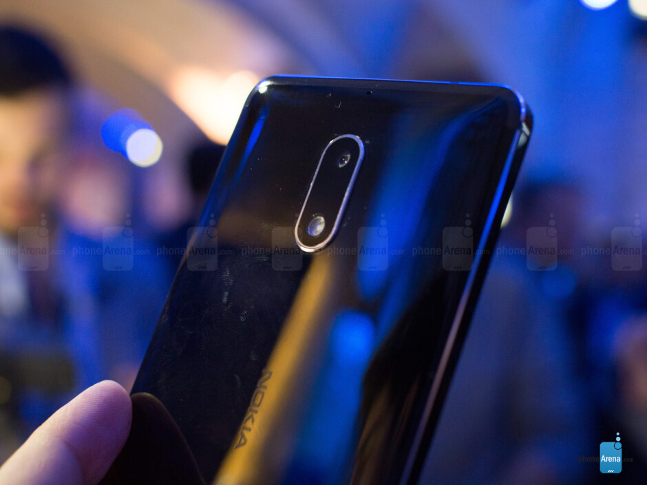 Back in Arte Black! - Nokia 6 hands-on: it's not here just to tickle your nostalgia