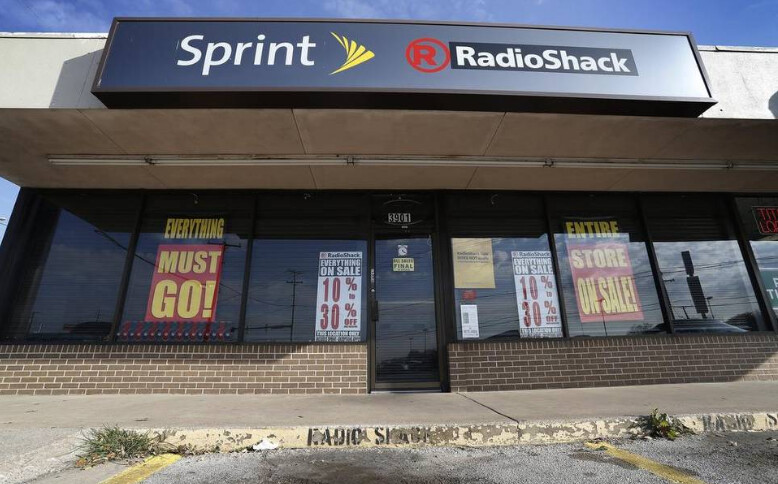 Sprint's co-branding experiment with Radio Shack failed after nearly two-years - Sprint is no savior; Radio Shack goes bankrupt again